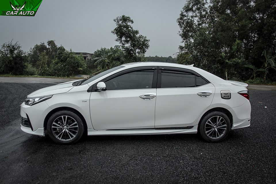 Ốp hông body kit Altis