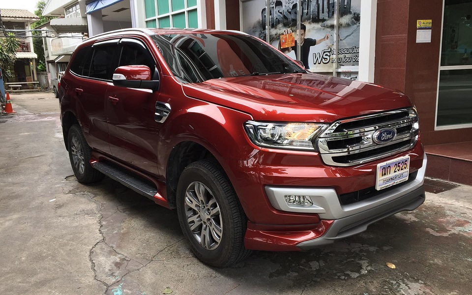 Mẫu độ body kit Ford Everest Ativus